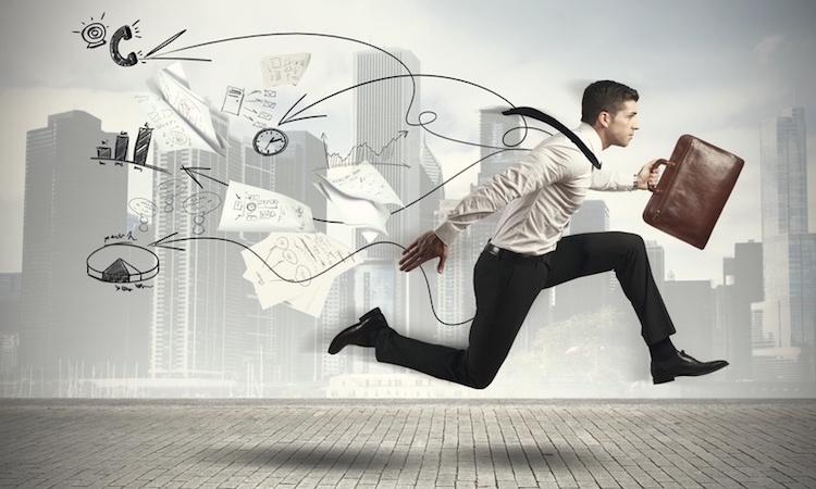 كيف يتخطى الإنسان الخوف من الأعمال الحرة؟